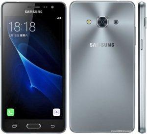 Samsung Galaxy J3 Pro photo